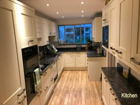 1 Bedroom In A 4 Bed House In Scads Hill Close Orpington Br6 House Share Christian Flatshare